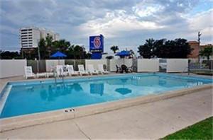 Motel 6 Destin FL